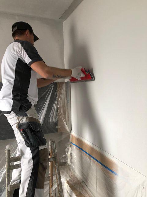 Badezimmergestaltung mit Oberflächen im Marmorino Look Malerarbeiten von Mark Kessler aus Herrenberg