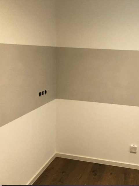 Fliesenspiegel aus Beton und Designboden Malerarbeiten von Mark Kessler in Gültstein