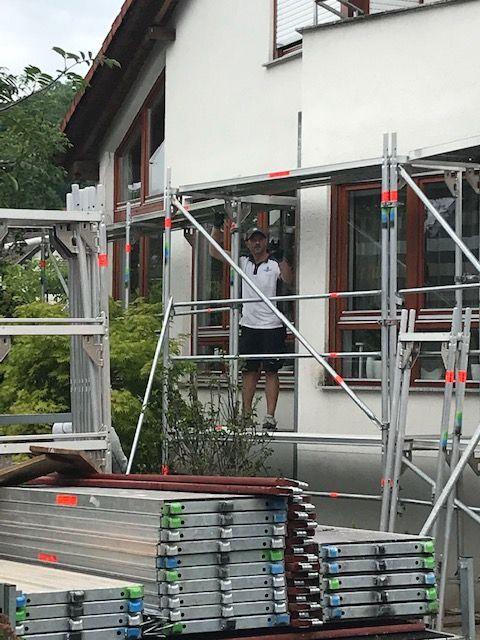 Gerüstbau bei Fassaden Arbeiten an einem Doppelhaus in Herrenberg 2019