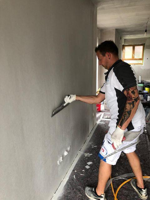 Malerarbeiten an der Wand in Kayh von Malermeister Mark Kessler