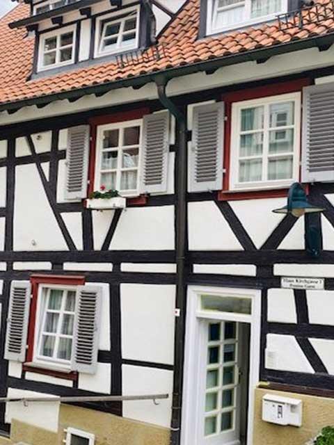 Malerarbeiten in Herrenberg 2020 von Mark Kessler für Fensterrenovierung