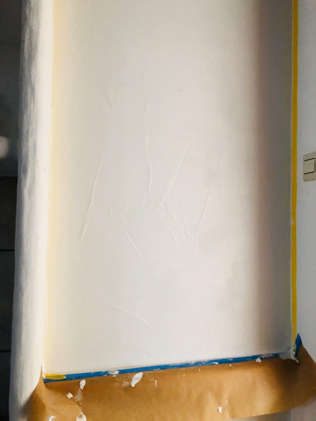 Neue Wand nach Anstrich und Renovierung vom Maler Kundenprojekte 2019