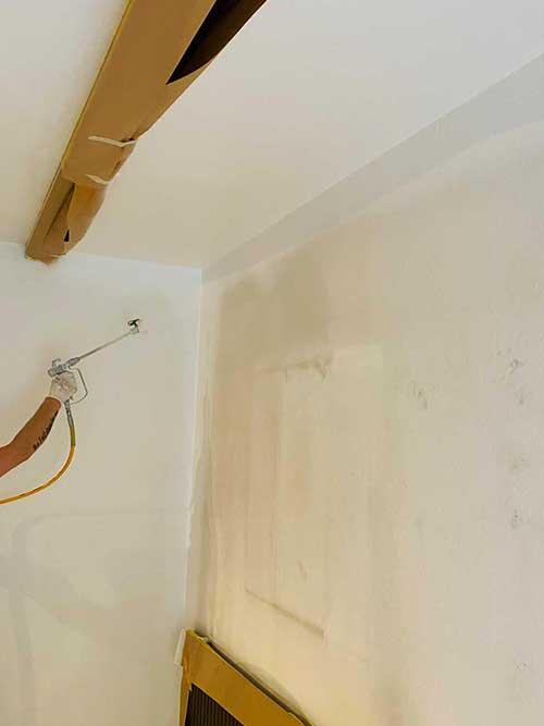 Streicharbeiten Wandanstrich Innenraum auf Putz Untergrund